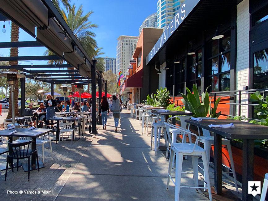 Los bares para desayunar frente a la bahía