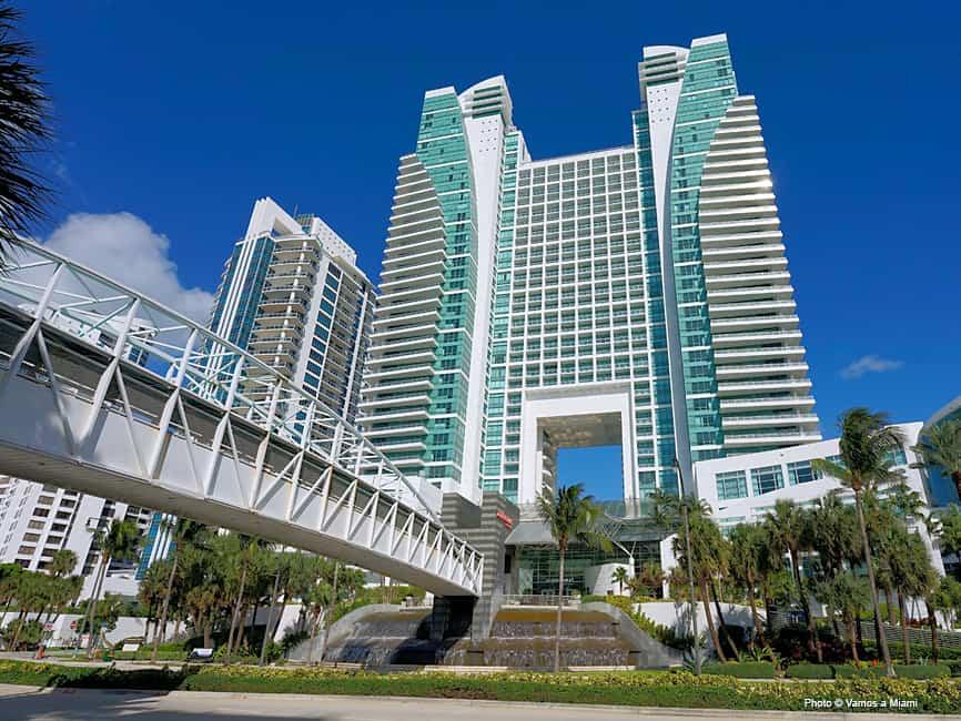 Amanda Harris - The Diplomat Beach Resort