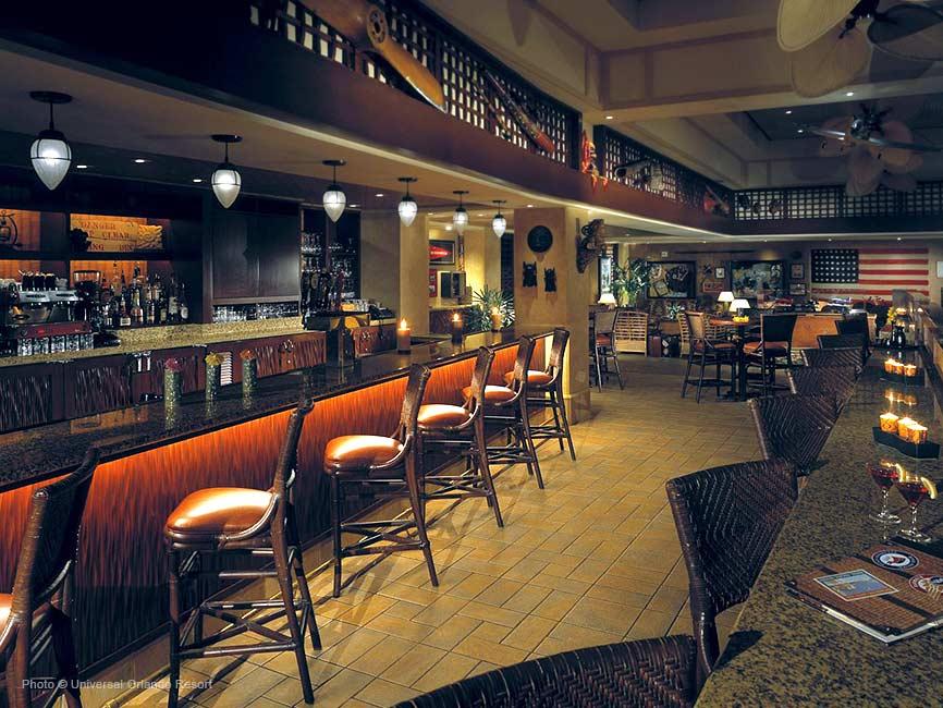 Uno de los bares del hotel