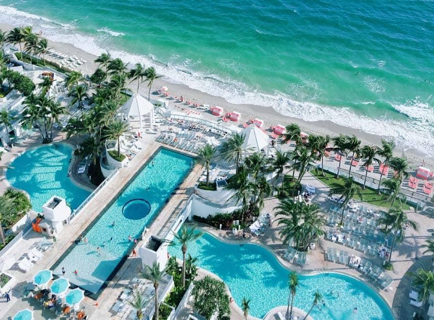Llamado The Diplomat Beach Resort