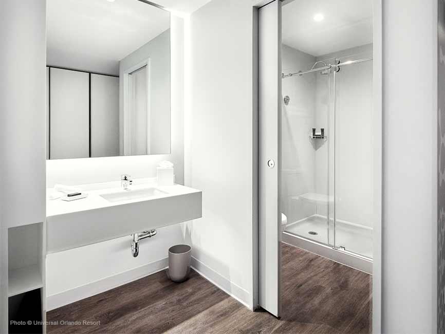 Cuarto de baño con diseño minimalista