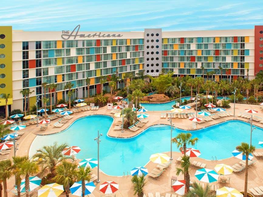 La increíble piscina del hotel Cabana Bay en Orlando