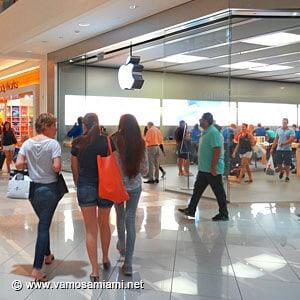Apple Aventura Mall
